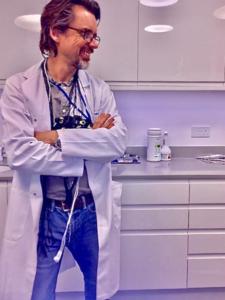 Dr. Martins-Mourao